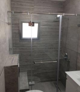 מקלחון חזית_1