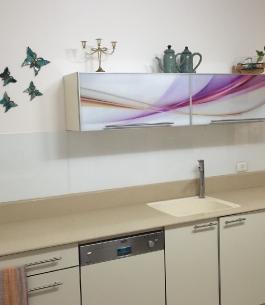 חיפוי זכוכית למטבח בשילוב הדפסה